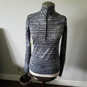 Nike Dri Fit XS 1/2 Zip Long Sleeved Pullover